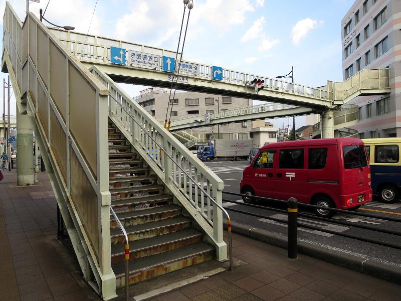20150809_3 国道1号線・京阪国道口、南大内横断歩道橋(2015_0809_180726)