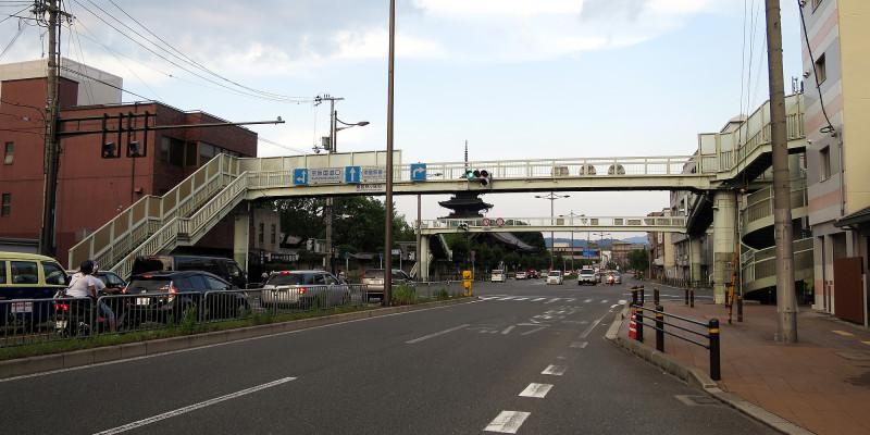 20150809_4 国道1号線・京阪国道口、南大内横断歩道橋(2015_0809_181054)