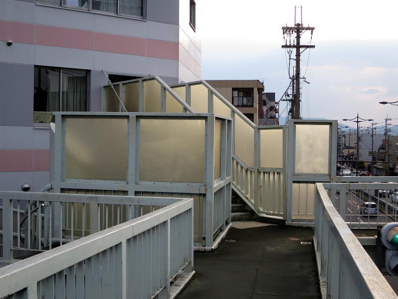 20150809_6 国道1号線・京阪国道口、南大内横断歩道橋(2015_0809_180123)