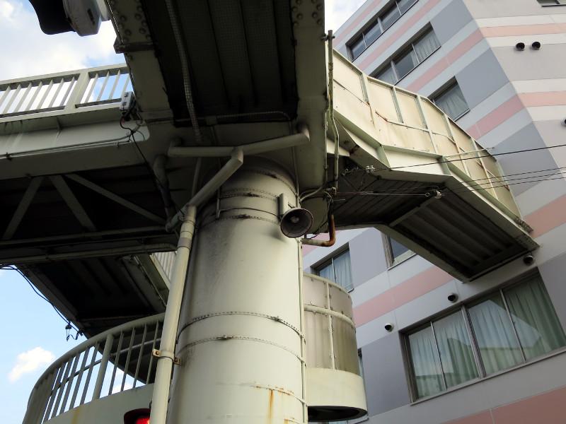 20150809_8 国道1号線・京阪国道口、南大内横断歩道橋(2015_0809_180806)