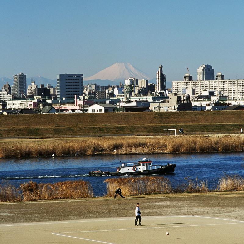 005_2 荒川左岸、江北橋下流より富士山 20070203(07.04.10)