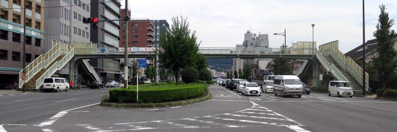 20150905 五条通、有隣横断歩道橋(2015_0905_123536_stitch)