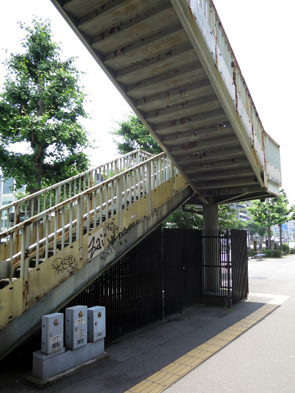 20150613_2 堀川通、堀川高校前歩道橋(2015_0613_115846)