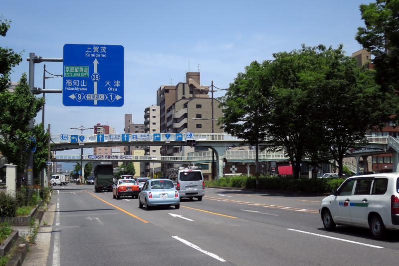 20160514_07 醒泉横断歩道橋(堀川五条)(2016_0514_113841)