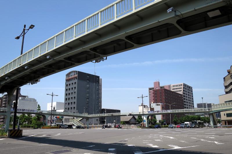 20160514_08 醒泉横断歩道橋(堀川五条)(2016_0514_114341)