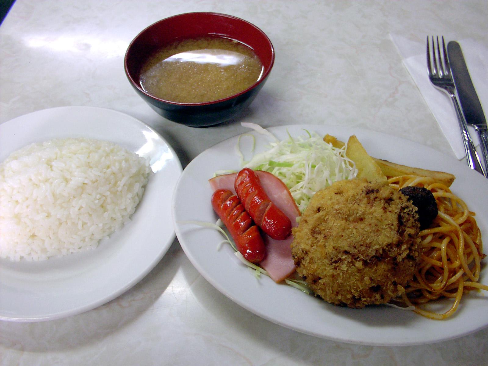111_4 レストラン・ボンマルシェ 新宿区西早稲田1-8-21(2002_0902_133321AA)